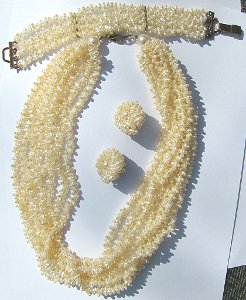 Natural Fresh Water Pearl Set Necklace Bracelet Earrings