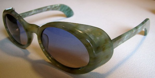 Morgenthal Frederics NY Sunglasses Handmade in France Green Tortoise with case